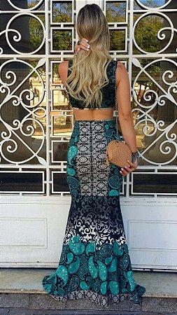 Vestido longo sereia com estampa em tons esverdeados