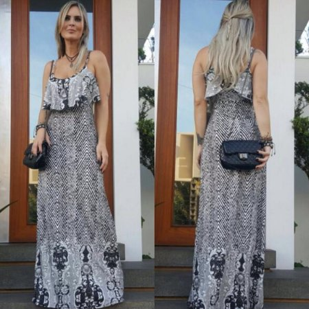 Vestido longo com babado e estampa black and white . Um show :)