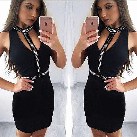 Vestido preto com detalhe prata . Verdadeiro luxo