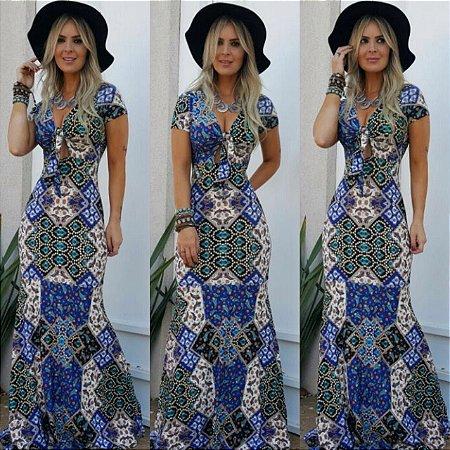 Vestido sereia estampado em tons de azul geométrico