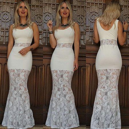 Vestido longo com detalhe em renda branca