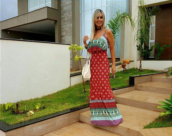 Vestido longo azul com babado e estampa em tons de vermelho indian