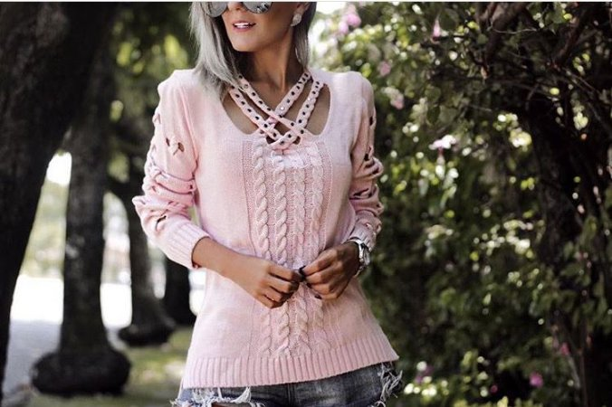 Blusa em tricot rose com belo trabalho em tiras :)
