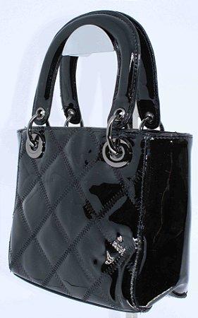 Baby bag em verniz preto com costura matelassê