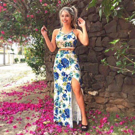 Conjunto saia com fenda e cropped flor azul