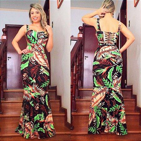 Vestido longo com detalhe nas costas