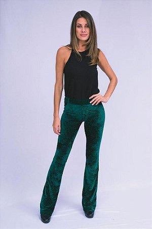 Calça veludo molhado verde