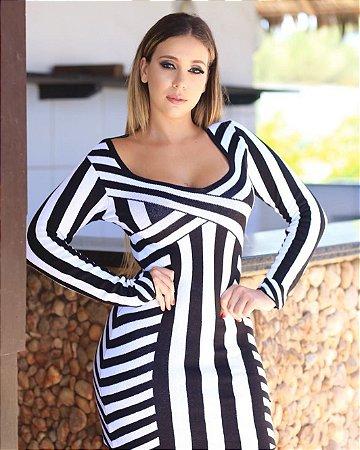 Vestido em tricot black and white