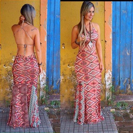 Vestido estampado com abertura nas costas