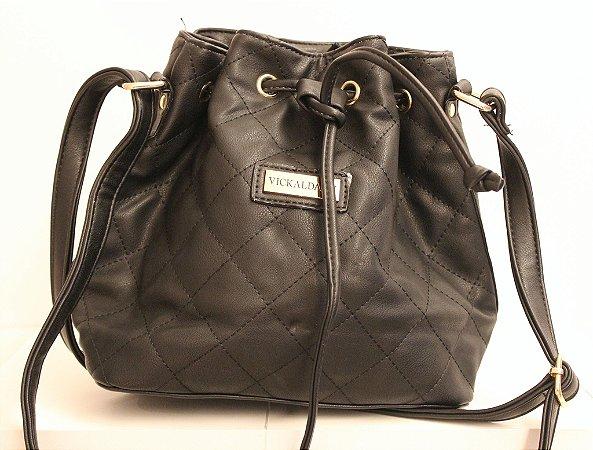 Baby bag saquinho em couro eco toda costurada na cor preto