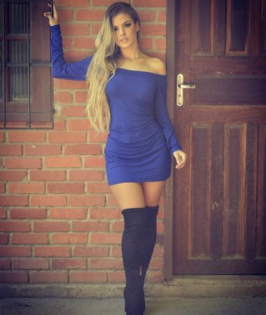 Vestido curto manga longa azul bic