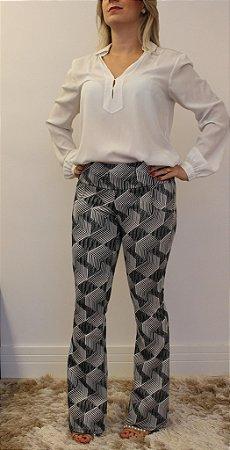 Calça flare jacquard com estampa geométrica monocromática