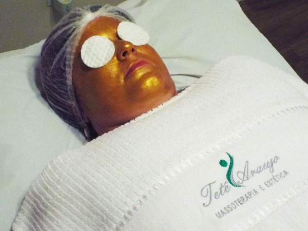 MASSAGEM REVITALIZANTE FACIAL