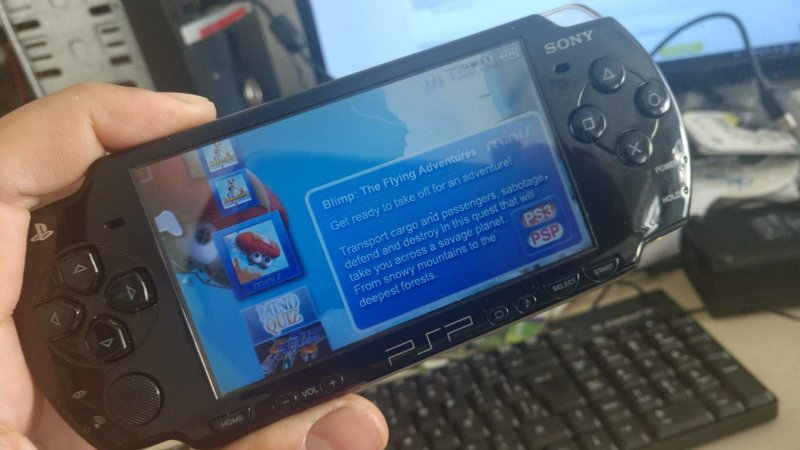 Sony Psp Slim 8gb com 100 jogos Desbloq 6.60 (SN)