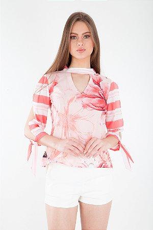 Camisa Bana Bana Chocker e Abertura nas Mangas Estampada Rosa