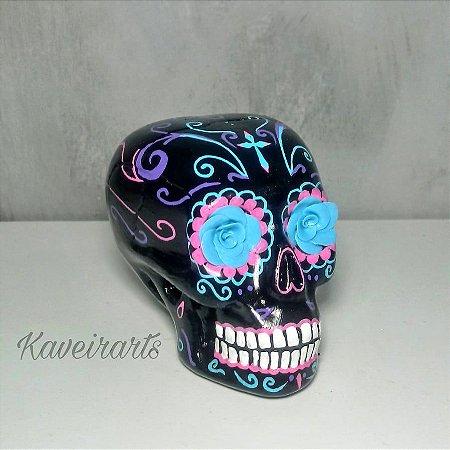 Caveira Mexicana Preta com Flor Azul (Pequena)