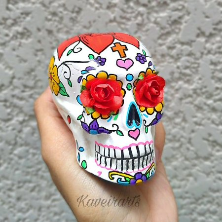 Caveira Mexicana Branca com flor vermelha (Pequena)