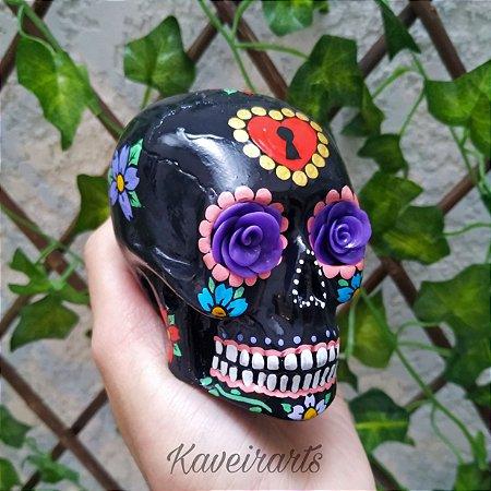 Caveira Mexicana Preta com Flor Roxa (Pequena)