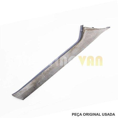 Acabamento Coluna Parabrisa Sprinter - A9016921602 - 02 a 11 Direito