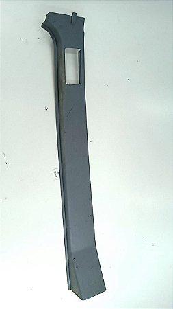 Acabamento Coluna Cinto Sprinter Furgão - 02 a 11 - Direito