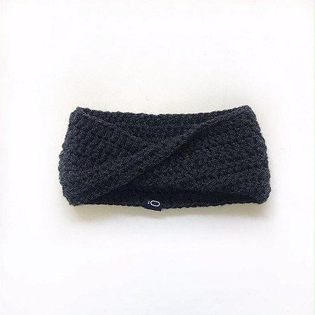 Gola de lã para bebê . cinza grafite