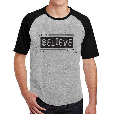 Camiseta Raglan Believe