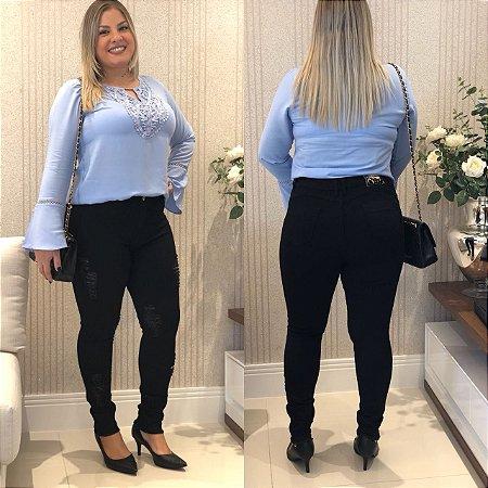 c6076b78b7 Calça Jeans Feminina Plus Size Cintura Alta Preta Rasgada C  Lycra ...