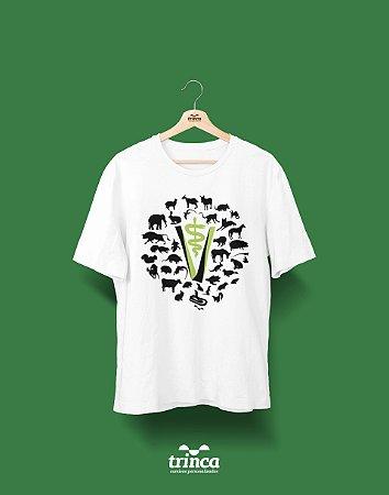 Camisa Universitária Medicina Veterinária - Mundo Animal - Basic