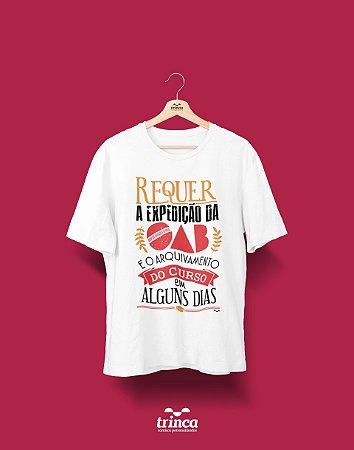 Camisa Universitária Direito - Vem OAB - Basic