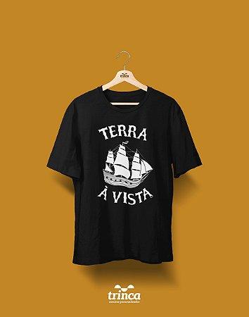Camisa Universitária História - Terra à Vista - Basic