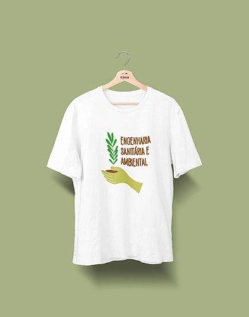 Camiseta Universitária - Engenharia Ambiental - Tá na mão
