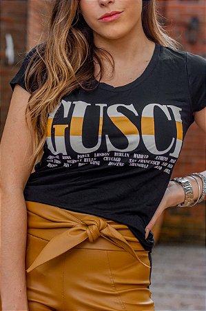 """T-Shirt """"GUSCI"""" - Preto"""