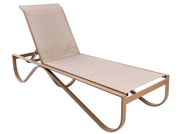 Espreguicadeira Ferrara reclinável alumínio pintado nude e tela sling ISO bege