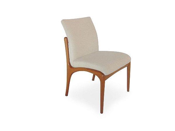 Cadeira Nice em Madeira Estofada