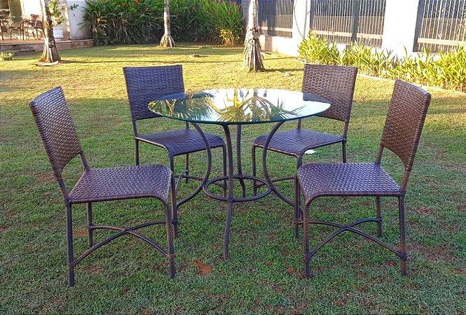 Conjunto com 1 mesa Montana D90 e 4 cadeiras Rosi em aço galvanizado e sintético Argila