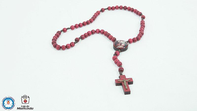 Terço de Madeira Vermelho Cordão 8mm (Sagrada Família)
