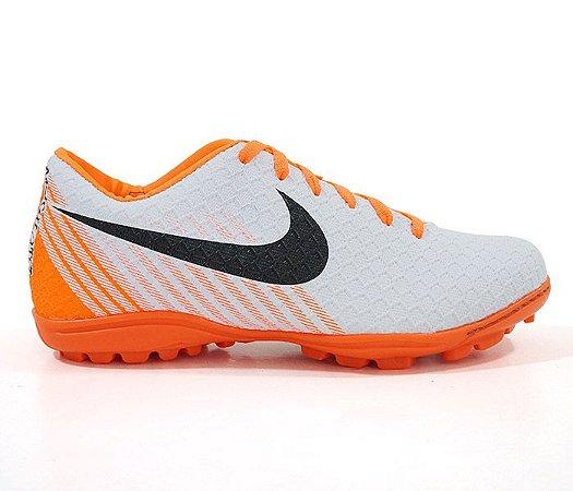 Chuteira Society Nike Magista Branco e Laranja - expresso shopping c316809fa196f