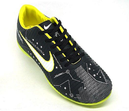 4f9a47a543ec8 Chuteira Nike Mercurial Victory 6 Neymar Society Preto e Verde Limão ...