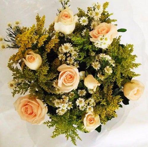 Buquê de 6 Rosas Coloridas ou  Vermelhas