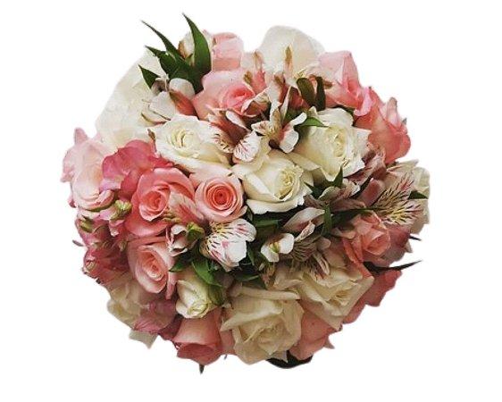 Buquê de Rosas Rosas e Brancas com Astromélias