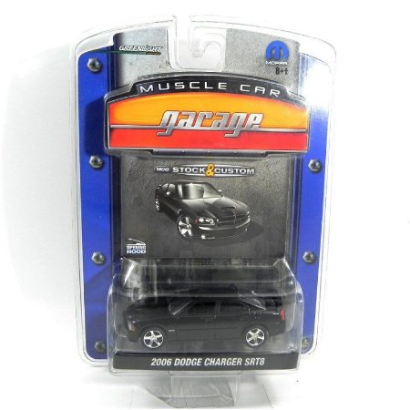 Dodge Charger SRT8 2006 1/64 Greenlight Muscle Car Garage