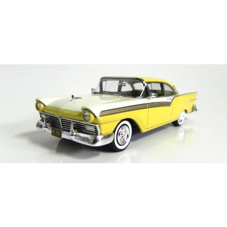 Ford Fairlane 1957 500 1/43 Neo