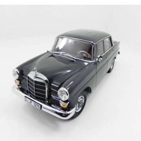 Mercedes Benz 200 Sedan 1966 1/18 Norev