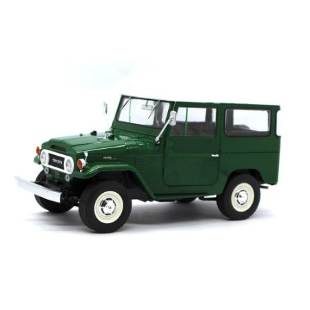 Jipe Bandeirante Toyota Land Cruiser FJ40 1968 1/18 Triple 9