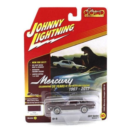 Mercury Cougar XR7-G 1968 Classic Gold Collection A 1/64 Johnny Lightning