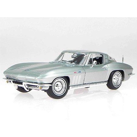 Chevrolet Corvette Coupe 2 Portas 1965 Prata 1/18 Maisto Especial Edition