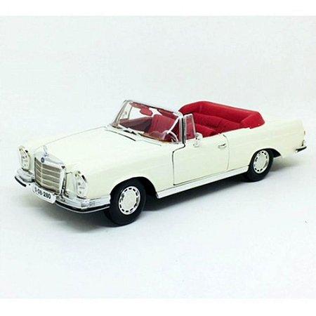 Mercedes-Benz 280SE 1967 Branca 1/18 Maisto Special Edition