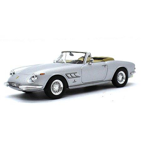 Ferrari 330 GTS 1/43 Ixo Ferrari Collection