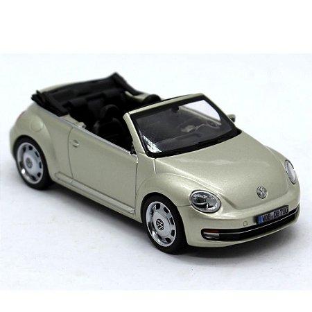 Volkswagen Novo Fusca Cabriolet 2012 1/43 Schuco