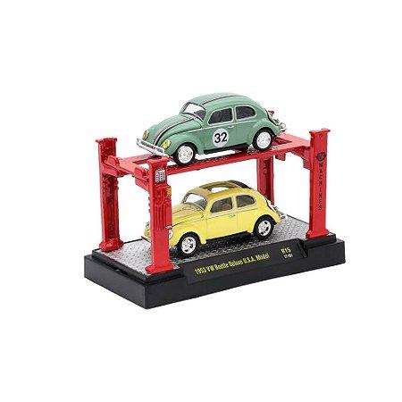Volkswagen Fusca Deluxe USA Model Com Elevador 1/64 M2 Machines Auto Lift 2 Pack 33000 Release R15